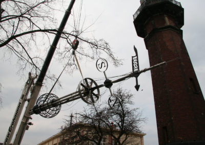 Odrestaurowana Kula Czasu wraca na latarnię, 2008. fot. M