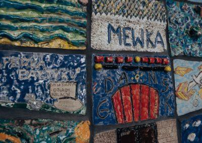 Mural ceramiczny w kształcie Latarni Morskiej Gdańsk Nowy Port, 2017, MEWKA. Otwarta Pracownia, ul. Bliska 11A, Gdańsk-Nowy Port